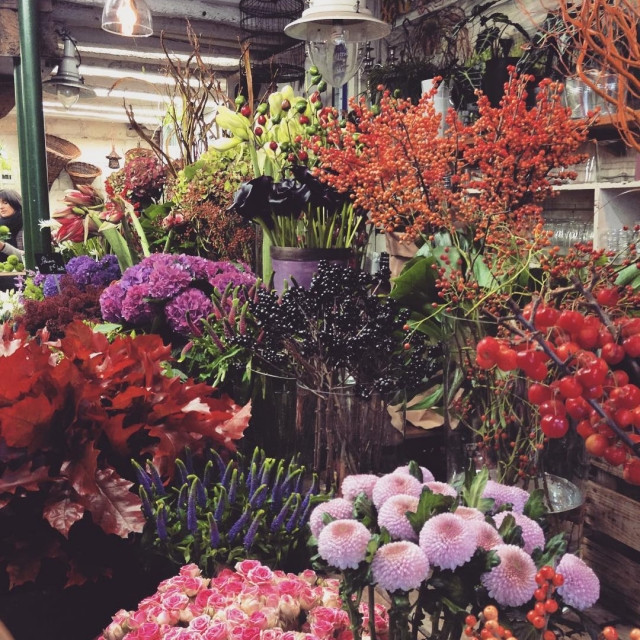 Happy Friday  Friday Flowers A beautiful florist in Tourshellip