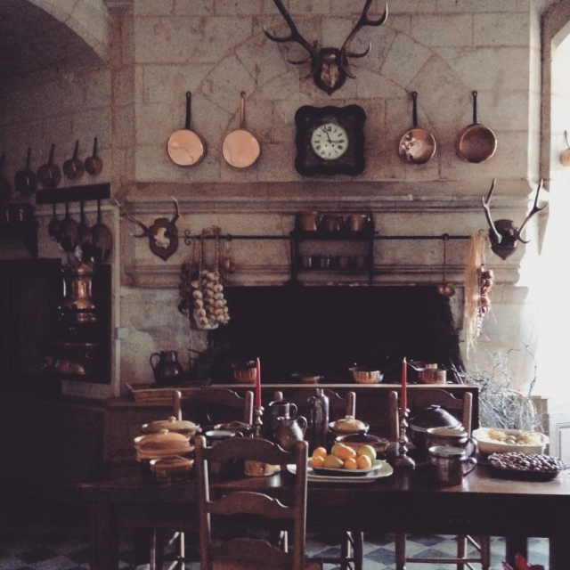 This is what we call a nice kitchen !!