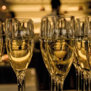 domaines viticoles biologiques vouvray sparkling wine wine tasting organic tour christmas sejour autour du vin pétillant noel unusual stay loire valley