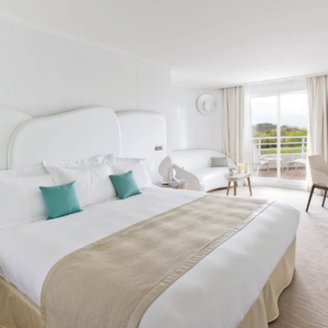 room luxury tour brittany wellness stay