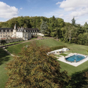 chateaux stay loire valley