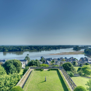 moh castle loire river sejour chateau privatise